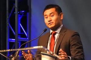 Dafung Zhang podium shot
